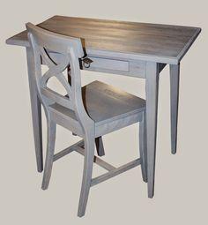 Savunsininen kirjoituspöytä ja bellmantuoli #gustavian #desk #värilläonväliä