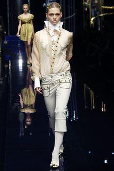 Dolce & Gabbana Fall 2006 Ready-to-Wear Fashion Show - Sasha Pivovarova