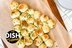 Spinach & Artichoke Bread Roll Tree - The Dr. Oz Show Spinach Bread, Spinach Rolls, Appetizers For Party, Appetizer Recipes, Christmas Appetizers, Pizza Monkey Bread, Bread Pizza, Keto Bread, Spinach Artichoke Dip