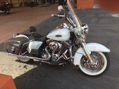 2012 white Harley Davidson Road King Classic.