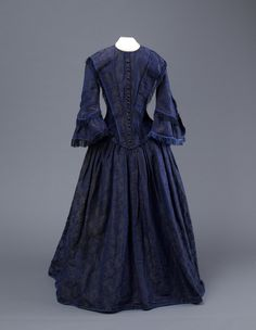 Mitchell Collection blue brocade dress with pagoda sleeves, Victorian Era Fashion, 1890s Fashion, Vintage Dresses, Vintage Outfits, Vintage Clothing, Vintage Vogue, Vintage Fashion, Day Dresses, Nice Dresses