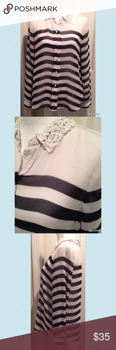 Lauren Conrad Black & White Striped Top Size: Large. 100% Polyester. LC Lauren Conrad Tops