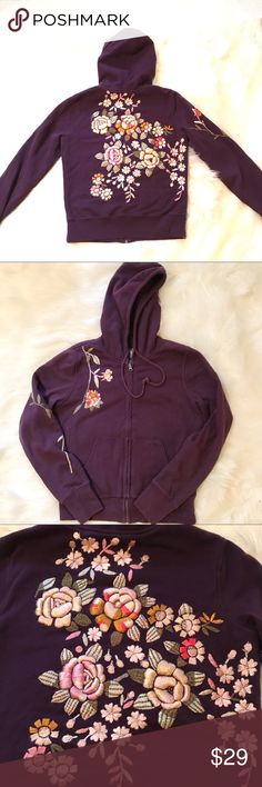 """Lucky Brand Purple Hoodie Embroidered Flowers med VGUC. Classic medium wait zip sweatshirt hoodie with kangaroo pockets and embroidered flowers. Size medium. 15.5"""" shoulders 26"""" sleeves 38"""" bust 22"""" length. 2 ply. Smooth zipper, no stains, overall very good. Lucky Brand Tops Sweatshirts & Hoodies"""