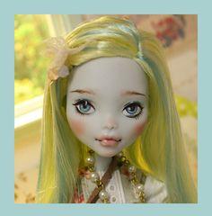BIRDIE - OOAK custom repaint Monster High doll