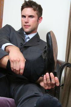 guys wearing dress socks — navysocks:   Steaming:)))