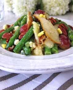 Green pear gorgonzola salad. Green beans leap to extraordinary when they step out with fresh pears and Gorgonzola.   marksdailynosh.com