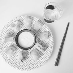 """Nouvelle #recette en préparation sur le #goldfishgangblog ! Cette semaine de """"pause"""" fait vraiment tout drôle!  Vivement lundi que le #blog reprenne vie... Bon week end les poissons! #food #instafood #rouleauxdeprintemps #asianfood #frenchblogger #whitebird"""