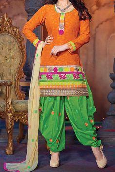 Ayesha Takia Wearing Green Patiala Salwar Orange Kurti V Shape Neck Style Patiala Salwar Suits, Shalwar Kameez, Punjabi Suits, Kurti, Patyala Suit, Salwar Neck Patterns, Gala Design, Neck Designs For Suits, Kendall Jenner Outfits