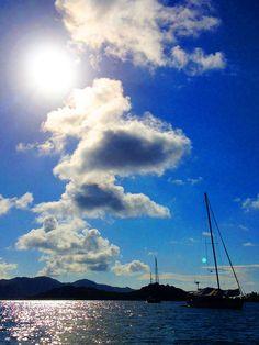 Isla Grande, Panama -- Beautiful boat in the sea!