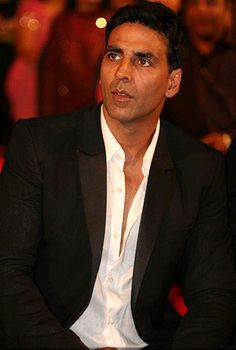 Akshay Kumar and his special promotional act for Special Chabbis!