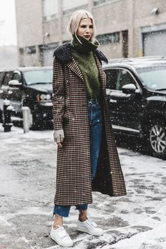 17 Work Outfits That Will Totally Function in the Winter