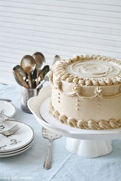 Curly Girl Kitchen: Vanilla Bean Latte Cake - coffee infused cake with buttercream piping