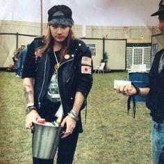 Axl Rose, Guns N Roses, Great Bands, Cool Bands, Rock N Roll, Metallica, Sweet Child O' Mine, Slash, Welcome To The Jungle