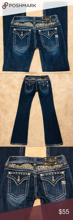 🌺MISS ME🌺Host Pick Dark Blue Jeans Sz27 #JP50113 🌺MISS ME🌺Stunning Dark Blue Jeans Sz27 #JP5011-3 Boot Cut  💥 Inseam is  31 inches 💥 Preloved in great condition Miss Me Jeans Boot Cut