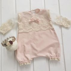 Cod1007 Lace Baby Outfit Baby Bloomer von 4LittlePrincessProps
