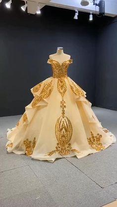 Prom Girl Dresses, Cinderella Dresses, Ball Dresses, Ball Gowns, Light Up Dresses, Sweet 16 Dresses, Pretty Dresses, Beautiful Dresses, Cute Wedding Dress