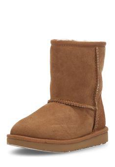 UGG Boots Classic II, Leder/Lammfell, Gr.22-29 braun Jetzt bestellen unter: https://mode.ladendirekt.de/damen/schuhe/boots/sonstige-boots/?uid=0727e913-55ea-5395-9ae8-737171da03fa&utm_source=pinterest&utm_medium=pin&utm_campaign=boards #boots #sonstigeboots #schuhe #bekleidung Bild Quelle: brands4friends.de