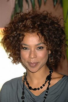 Love this style for short curly hair! Adorable