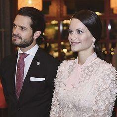 NEW!!!! Carl Philip and Sofia tonight #prinscarlphilip #princecarlphilip #carlphilip #prinsessansofia #princesssofia #sofia #sweden #swedish #swedishroyals #swedishprince #swedishroyalfamily #swedishprincess #princess #prinsessa #prins #prince #beauty #beautiful #beautifulcouple