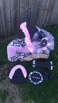 Damask polka dot and baby pink carseat cover by BowsFromAbove, $85.00