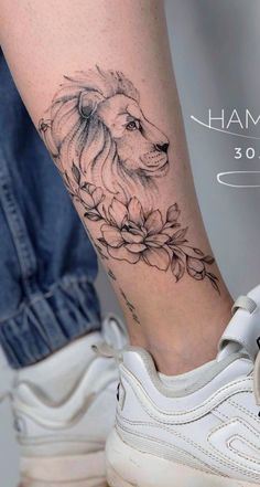 40 Female ankle tattoos for inspiration - Pictures and Tattoos Small Lion Tattoo For Women, Ankle Tattoos For Women, Meaningful Tattoos For Women, Leo Tattoos, Mini Tattoos, Body Art Tattoos, Tatoos, Pretty Tattoos, Cute Tattoos