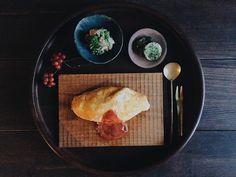 夕食でこぼこオムライス菜の花の胡桃ポテトサラダ友人と小さなオンラインショップを始めます愛用中のこちらの#semiaco のパン皿とおにぎり皿あと2品これからどんどん増やしていきます2/1(たぶん)トップにこっそりと載せるので興味のある方はちらりと覗いてやってください最初で最後の宣伝でした by saki.52