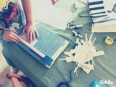 Laboratorio per realizzare bomboniere solidali, tramite il lavoro minuzioso, dalle mani dei nostri ragazzi..