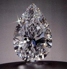 The Star of the Season is a 100.10 carat pear shape diamond; It is D colour, and Internally Flawless. Diamond experts were in awe at its beautiful proportions, rare in such a large stone.  The diamond was bought at an auction in Geneva in 1995 bySheikh Ahmed Hassan Fitaihi, who paid a little over $16.5 million for the loose diamond. It is rumoured that he was immediately offered a profit on the diamond by a disappointed under-bidder!