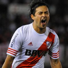 River Plate is on fire! 4-1 against the reds.- Pisculichi strikes the first