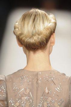 Gibson Roll | Tucked Upstyle | Wedding Hair Inspiration | Bridal Musings Wedding Blog 6