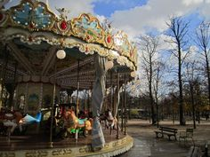Things to see & do in Paris with a kidlet in tow.  (travels with clara: Paris Cheat Sheet)