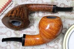 Two carvings from Italian pipemaker David Iafisco plus fresh pipes from Il Duca and Kent Rasmussen.https://smokingpip.es/2HmbJn1