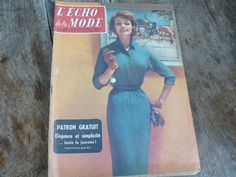 A mid century Journal from 1957. Lecho de la mode, great for french learning.  I LOOOVE this magazine, it has a brilliant collection of all sorts from the mid century era ; fashion, knitting and sewing patterns, photos, style guides, house improvement suggestions, recipes, child rearing tips, excellent advertisements, some celeb gossip too.......Its in GREat condition...   Dated: 10 November 1957    PLEASE NOTE: We use the economic SHIPPING from France as this makes it as cheap as possible…