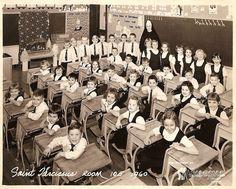 Bronx New York Catholic School 1960 classroom School Memories, My Childhood Memories, Sweet Memories, Country School, Old School House, Class Pictures, Back To School Hacks, First Day Of School, School Days