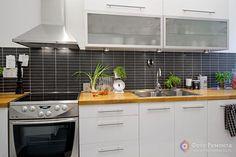 кухня, хороший вариант, только фактук не серый