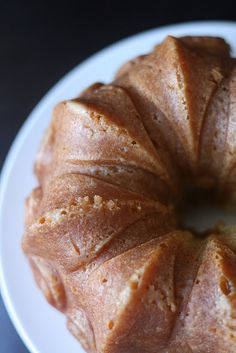 vanilla bean rum cake-I'm going to try to use this recipe for my cake pops....