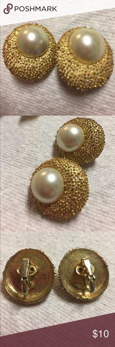 Trifari simulated Pearl Clip Earrings The vintage Clip earrings.  These earrings measure 1 inch Trifari Jewelry Earrings