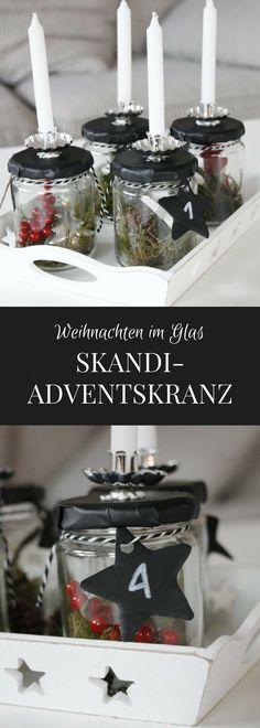 Skandinavischer Adventskranz: Ideen zum Adventskranz selber machen gibt es viele. Dieser Skandi-Adventskranz ist ein Gläser Upcycling mit Tafelfolie und Naturmaterialien. Das Adventskranz basteln ist eine Abwandlung von Weihnachten im Glas. Für jeden Adventssonntag wird ein Glas anders befüllt. Ein schneller Adventskranz in schwarz weiß. - #werbung #otto