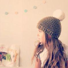 Tous les ans les fleurs adorent que je leur confectionne un bonnet d'hiver, on choisit une laine bien douce (la partner,...