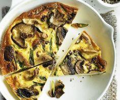 Wild mushroom and green onion frittata Potato Recipes, Vegetable Recipes, Wild Mushrooms, Stuffed Mushrooms, Speedy Dinners, Asparagus Frittata, Frittata Recipes, Make Ahead Lunches, Spinach And Feta