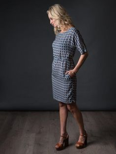 The Avid Seamstress dressmaking pattern - read more about this sewing pattern and read reviews too!