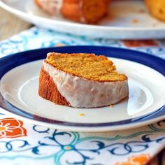 This pumpkin bundt cake with cinnamon glaze is not only extremely easy, but also low fat! A perfect treat for breakfast or brunch.   pinchofyum.com