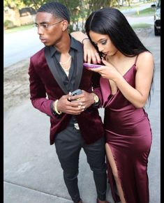 Wine Red Burgundy Mermaid Prom Dresses Spaghetti Straps African Girl Black Girl Evening Formal Gowns from Wedding store Prom Outfits For Guys, Prom Suits For Men, Couple Outfits, Prom Suits 2019, Men In Suits, Casual Outfits, Navy Suits, Dress Casual, Wedding Men