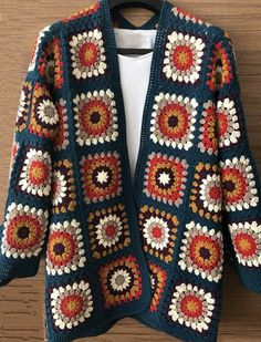Crochet Jacket Pattern, Crochet Jumper, Crochet Dolls Free Patterns, Crochet Coat, Crochet Motif, Crochet Designs, Crochet Clothes, Tricot Simple, Crochet Fashion