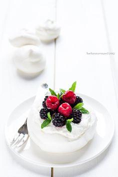 Pavlova with Berries