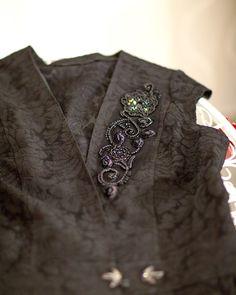 Brooch, Fashion, Moda, Fashion Styles, Brooches, Fashion Illustrations