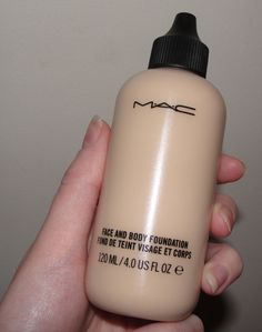 Discover these mac makeup foundation Pic# 0852 Mac Makeup, Eyebrow Makeup, Makeup Kit, Skin Makeup, Makeup Cosmetics, Beauty Makeup, Body Foundation, Makeup Foundation, Mac Foundation Dupes
