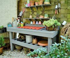 How to Build a Potting Bench - Redeem Your Ground | RYGblog.com