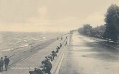 what is now Lake Shore Drive, Lake Dr. in 1909 in Lincoln Park, Chicago