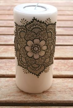) This ivory colored candle is adorned with an intricate henna mandala. The henna on the candle has been sealed to insure the henna does not flake off. Never thought of doing henna on anything but my skin Henna Candles, Diy Candles, Pillar Candles, Unity Candle, Candle Art, Mehndi Art, Henna Mehndi, Henna Art, Mehndi Dress